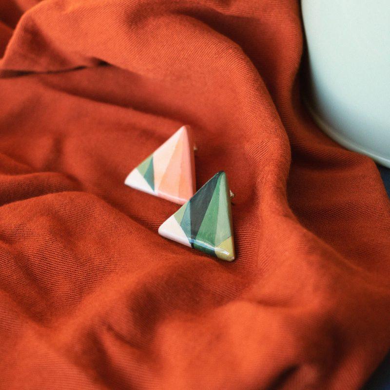 Orecchini lobo triangolari della collezione Texture '60