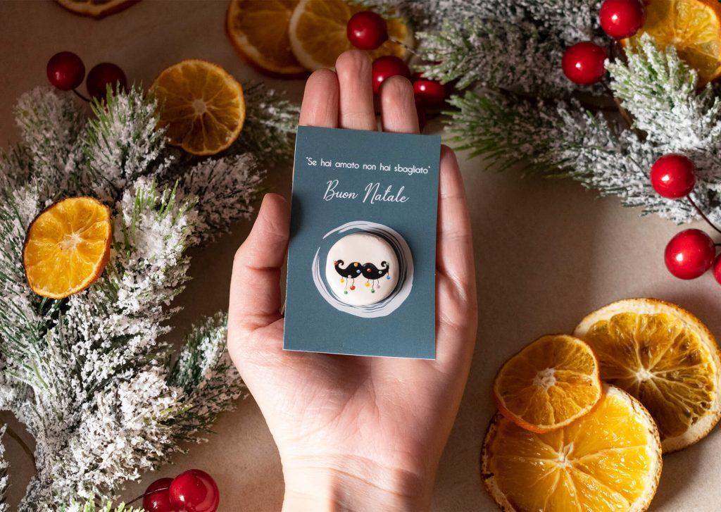 Spilla di Natale baffi di Alessandra Pennino Gioielli
