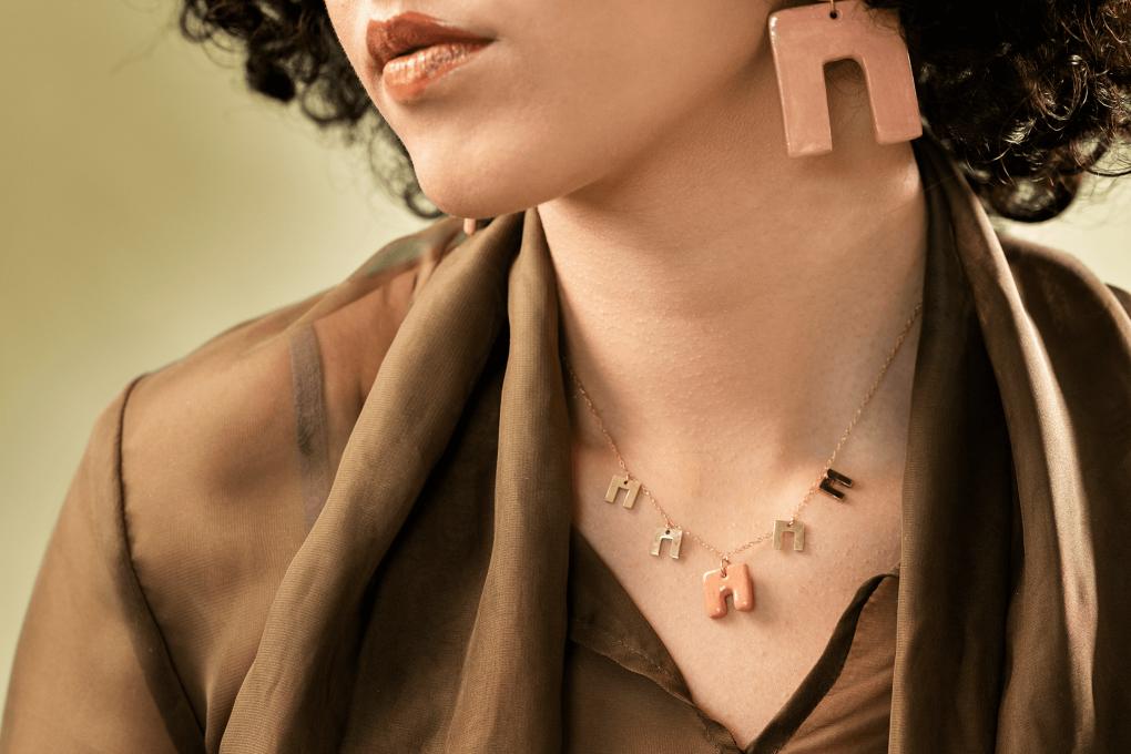 orecchini e collana girocollo artigianale in ceramica linea Maria