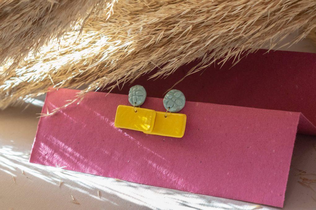 Orecchini Lucia con maiolica siciliana in rilievo, orecchini artigianali, orecchini in ceramica, maioliche siciliane
