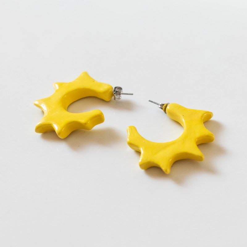 Orecchini a cerchio Ionica, orecchini gialli, orecchini ceramica smaltata e dipinta a mano, orecchini estivi